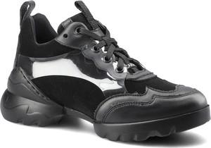 Czarne buty sportowe Carinii w sportowym stylu