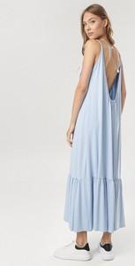 Niebieska sukienka born2be maxi na ramiączkach