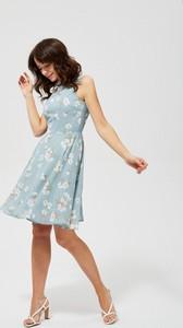 Sukienka Moodo bez rękawów midi