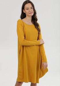 Żółta sukienka born2be z długim rękawem