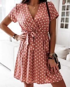 Czerwona sukienka Kendallme mini z krótkim rękawem