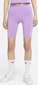 Fioletowe szorty Nike w sportowym stylu