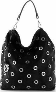 Czarna torebka VITTORIA GOTTI z zamszu w młodzieżowym stylu do ręki