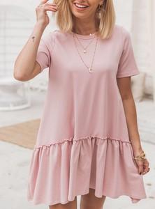 Różowa sukienka SELFIEROOM w stylu casual z krótkim rękawem z okrągłym dekoltem