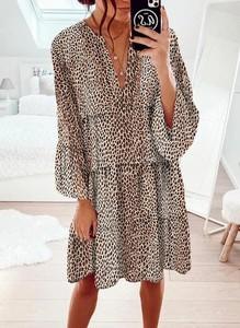 Sukienka Cikelly w stylu casual z dekoltem w kształcie litery v oversize