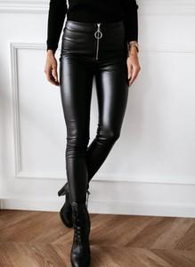 Czarne legginsy Sandbella ze skóry ekologicznej