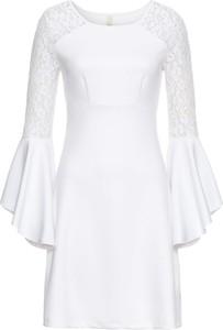 Sukienka bonprix bodyflirt boutique w koronkowe wzory z długim rękawem