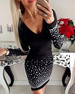 Sukienka Kendallme mini z dekoltem w kształcie litery v w stylu casual