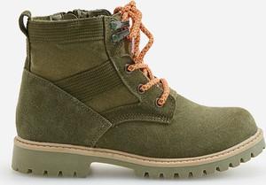 Zielone buty dziecięce zimowe Reserved sznurowane ze skóry
