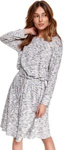 Sukienka Top Secret z tkaniny w stylu casual z okrągłym dekoltem