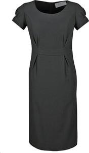 Czarna sukienka Fokus midi z krótkim rękawem z okrągłym dekoltem