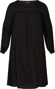 Sukienka Zay z długim rękawem oversize w stylu casual