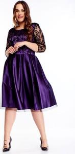 Fioletowa sukienka TAGLESS z okrągłym dekoltem midi dla puszystych