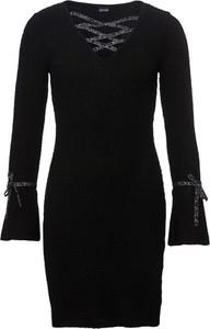 Czarna sukienka bonprix BODYFLIRT boutique w stylu casual z dekoltem w kształcie litery v z długim rękawem