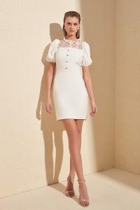 Sukienka Trendyol z krótkim rękawem