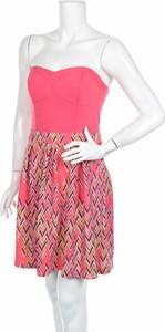 Różowa sukienka Xhilaration