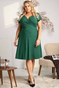 Zielona sukienka KARKO z krótkim rękawem kopertowa z dekoltem w kształcie litery v