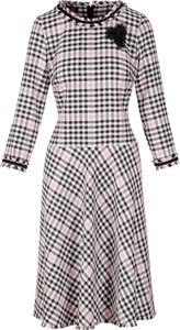 Sukienka Poza z długim rękawem mini z żakardu