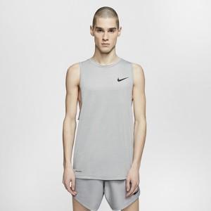 T-shirt Nike w sportowym stylu w geometryczne wzory