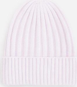 Fioletowa czapka Reserved