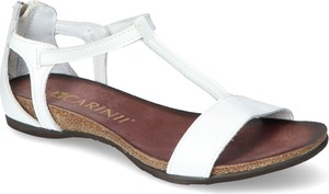 Sandały Carinii ze skóry z płaską podeszwą