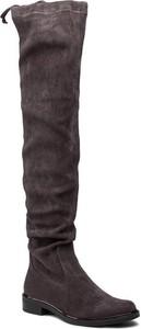 Kozaki Caprice z płaską podeszwą w stylu casual