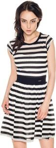 Sukienka Guess mini rozkloszowana z krótkim rękawem
