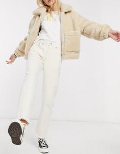 Jeansy Levis z jeansu w street stylu