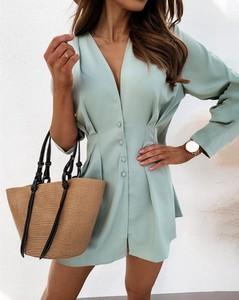 Sukienka Kendallme w stylu casual z dekoltem w kształcie litery v
