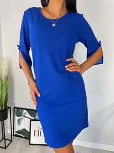 Niebieska sukienka ModnaKiecka.pl z okrągłym dekoltem z długim rękawem