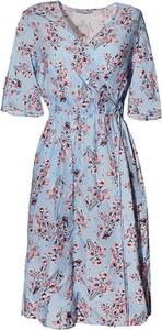 Sukienka TOVA z dekoltem w kształcie litery v z krótkim rękawem