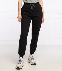 Czarne spodnie Guess w sportowym stylu