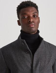Czarny płaszcz męski Reserved z wełny