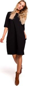 Czarna sukienka MOE bombka z bawełny z okrągłym dekoltem