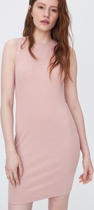 Różowa sukienka Sinsay mini dopasowana