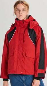 Czerwona kurtka Cropp w stylu casual krótka