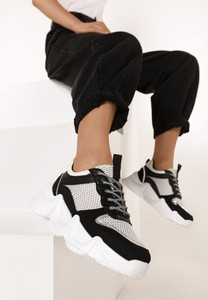 Sneakersy born2be z płaską podeszwą sznurowane