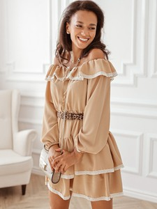 Sukienka Rose Boutique z odkrytymi ramionami hiszpanka mini