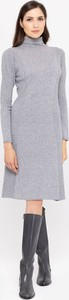 Sukienka Deni Cler z kaszmiru z golfem w stylu casual