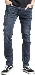 Granatowe jeansy Emp w street stylu