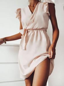 Sukienka Pakuten z dekoltem w kształcie litery v bez rękawów mini