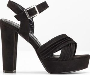 Czarne sandały bonprix rainbow z klamrami