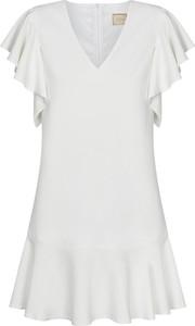Sukienka Swing Polish Fashion Concept mini z dekoltem w kształcie litery v z krótkim rękawem