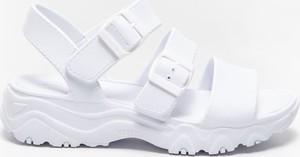 Sandały Skechers z klamrami na platformie w stylu casual