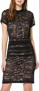 Czarna sukienka amazon.de dopasowana mini z okrągłym dekoltem