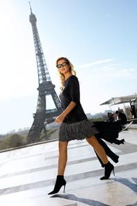 Sukienka Poza mini z długim rękawem