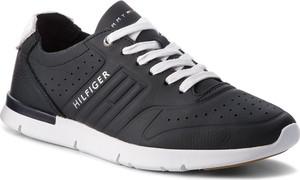 Czarne buty sportowe Tommy Hilfiger ze skóry ekologicznej w sportowym stylu