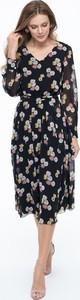Sukienka Lavard z dekoltem w kształcie litery v w stylu klasycznym z zamszu