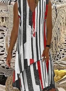 Sukienka Kendallme midi trapezowa z dekoltem w kształcie litery v