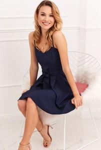 Sukienka Fasardi z tkaniny na ramiączkach